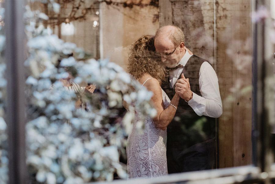 GEMA & RAMÓN: CUANDO EL TIEMPO HACE MÁS GRANDE EL AMOR boda-mayores
