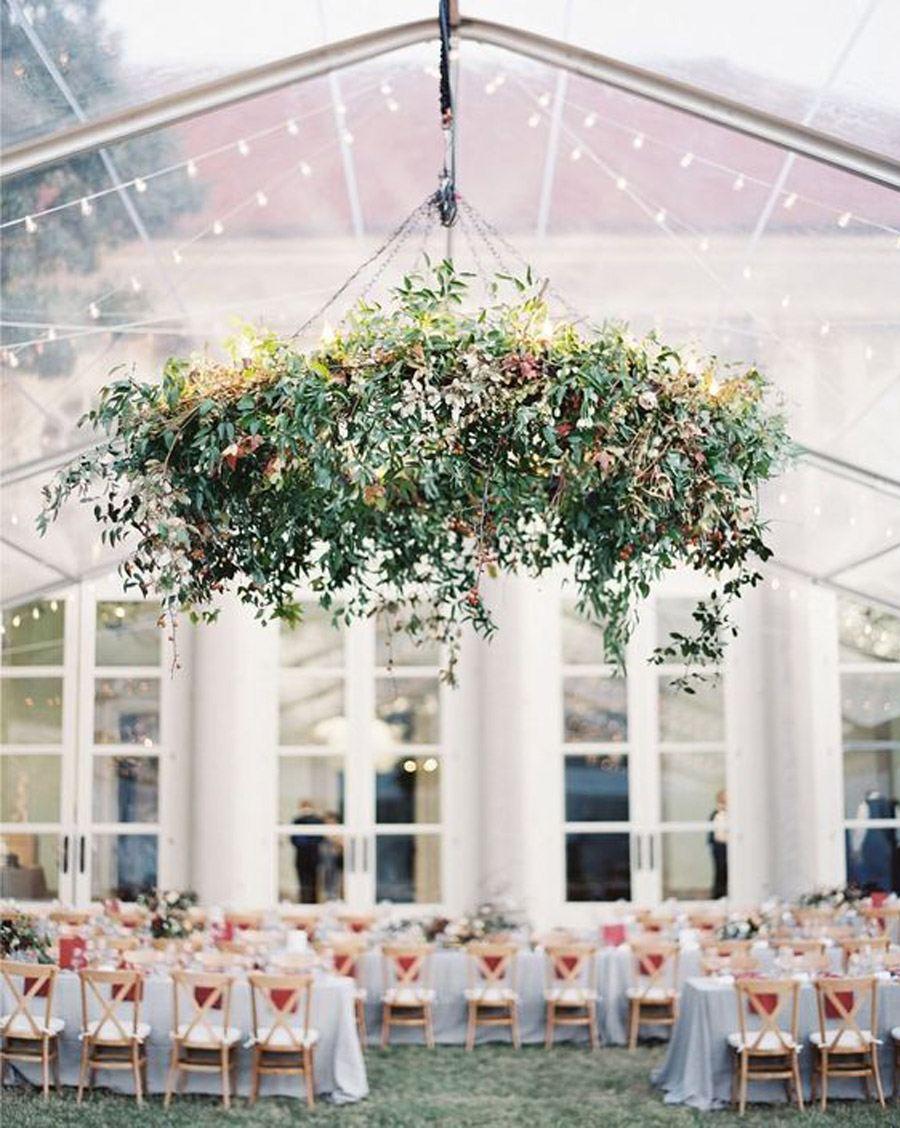INSPIRACIÓN: CANDELABROS DE FLORES SUSPENDIDOS candelabro-de-flores-boda