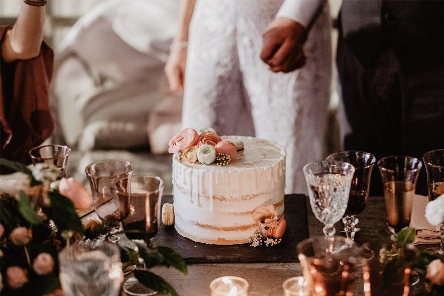 GEMA & RAMÓN: CUANDO EL TIEMPO HACE MÁS GRANDE EL AMOR pastel-boda