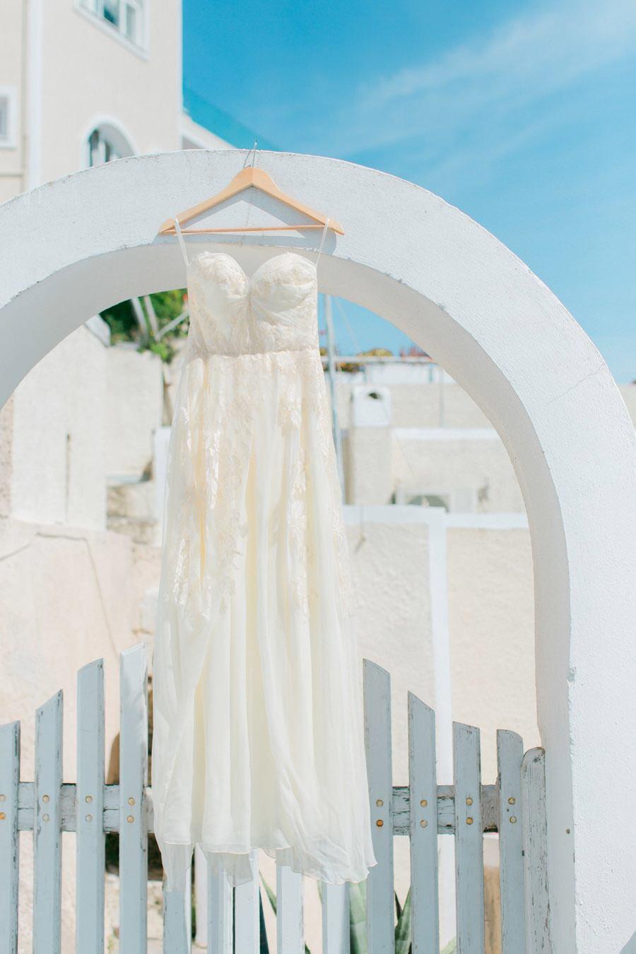 BODA ÍNTIMA EN SANTORINI vestido-novia