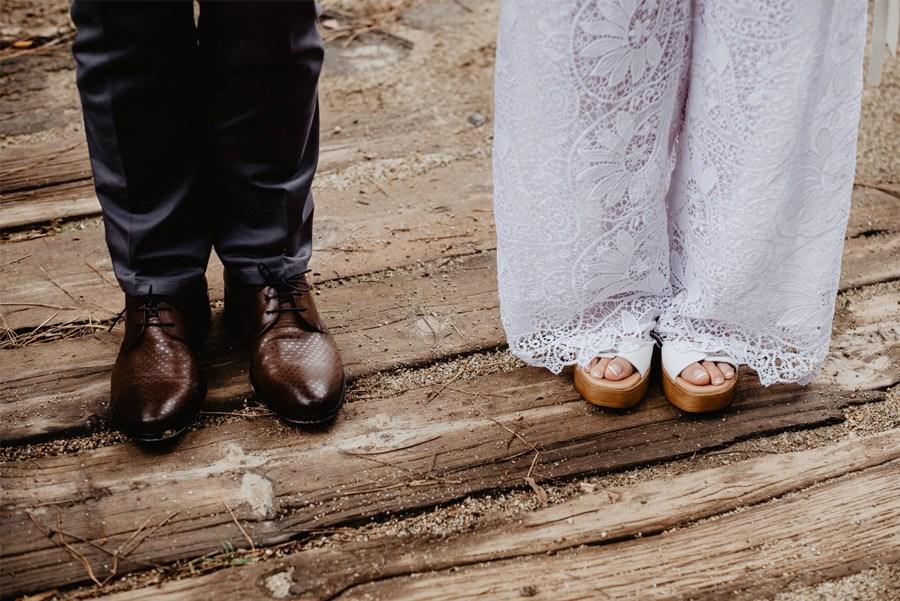 GEMA & RAMÓN: CUANDO EL TIEMPO HACE MÁS GRANDE EL AMOR zapatos-boda