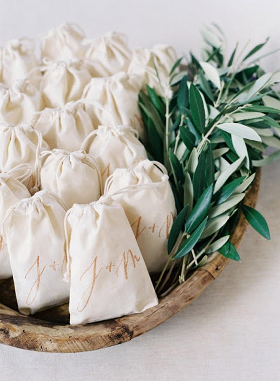 CONFETTI DE HOJAS DE OLIVO confetti-bodas-hojas-olivo
