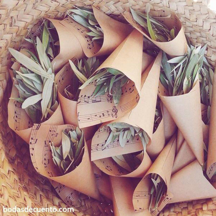 CONFETTI DE HOJAS DE OLIVO confetti-hojas-olivo