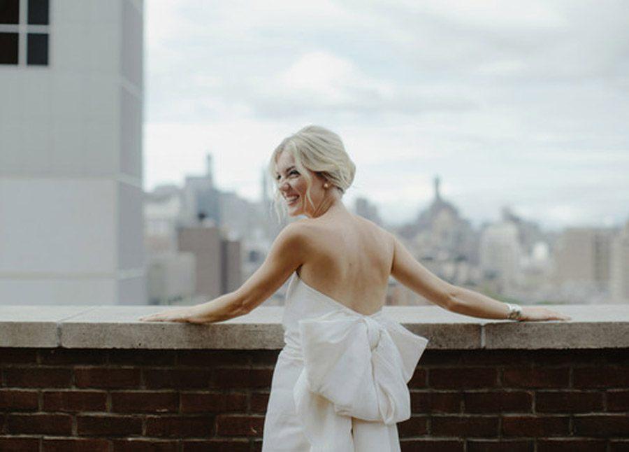 HAYLEY & CHRIS: ROMÁNTICA BODA EN NUEVA YORK novia-con-lazo