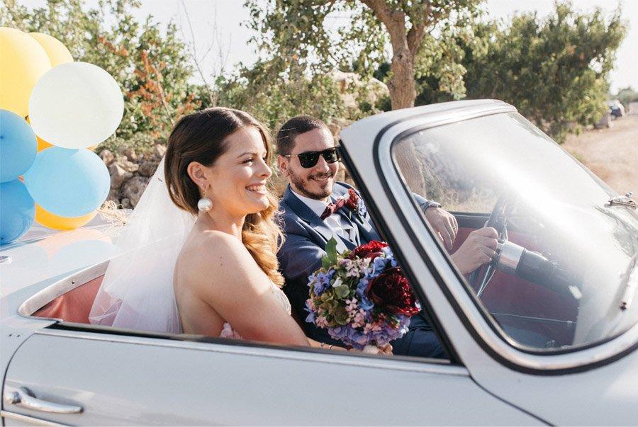 DAN & EMMA: BODA AL SUR DE ITALIA coche-boda