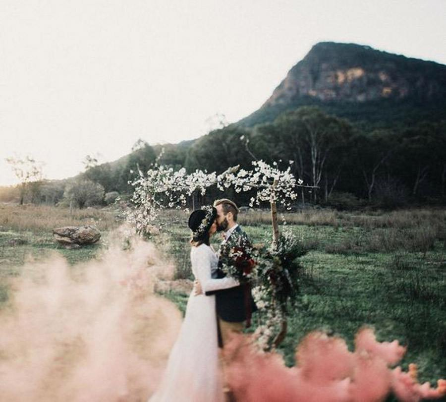 HUMO DE COLORES boda-con-humo-de-colores