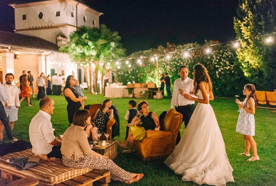 LIALA, ANDREAS Y SU PRECIOSA BODA ITALIANA fiesta-boda-aire-libre
