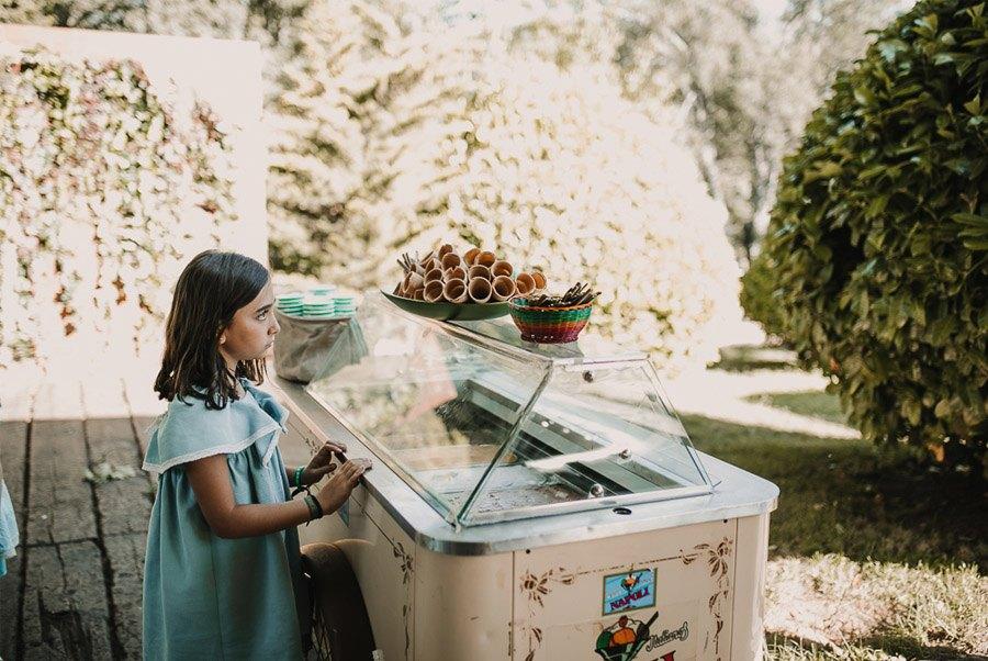 NATALIA & DAVID: UNA SENCILLA BODA DE CAMPO helados-boda
