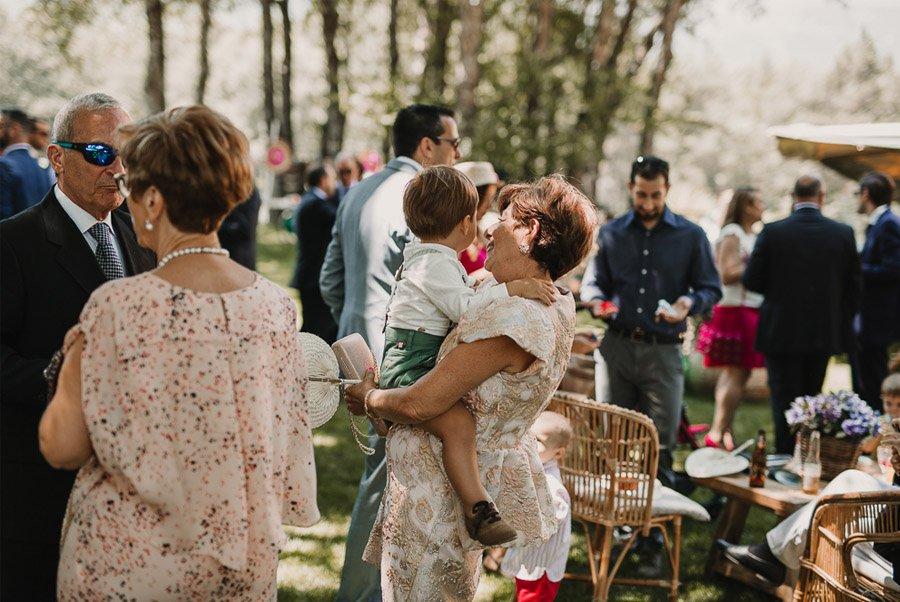 NATALIA & DAVID: UNA SENCILLA BODA DE CAMPO invitados-boda