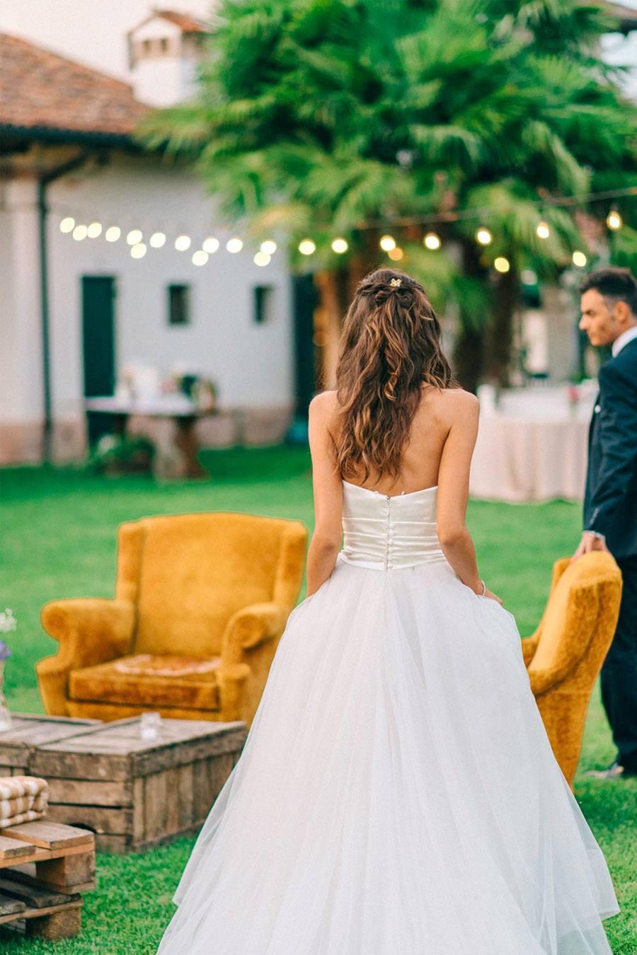 LIALA, ANDREAS Y SU PRECIOSA BODA ITALIANA novios-boda-aire-libre