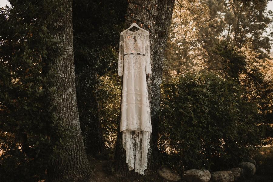 NATALIA & DAVID: UNA SENCILLA BODA DE CAMPO vestido-novia