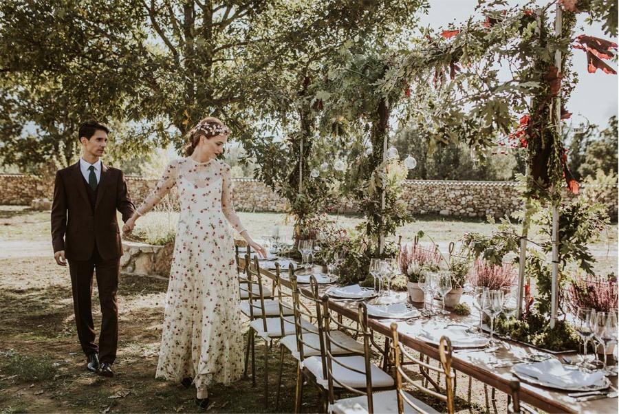 LOS TOCADOS ARTESANALES DE DIGOCCA decoracion-mesa-boda
