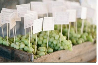DECORACIÓN DE BODA CON UVAS uvas-deco