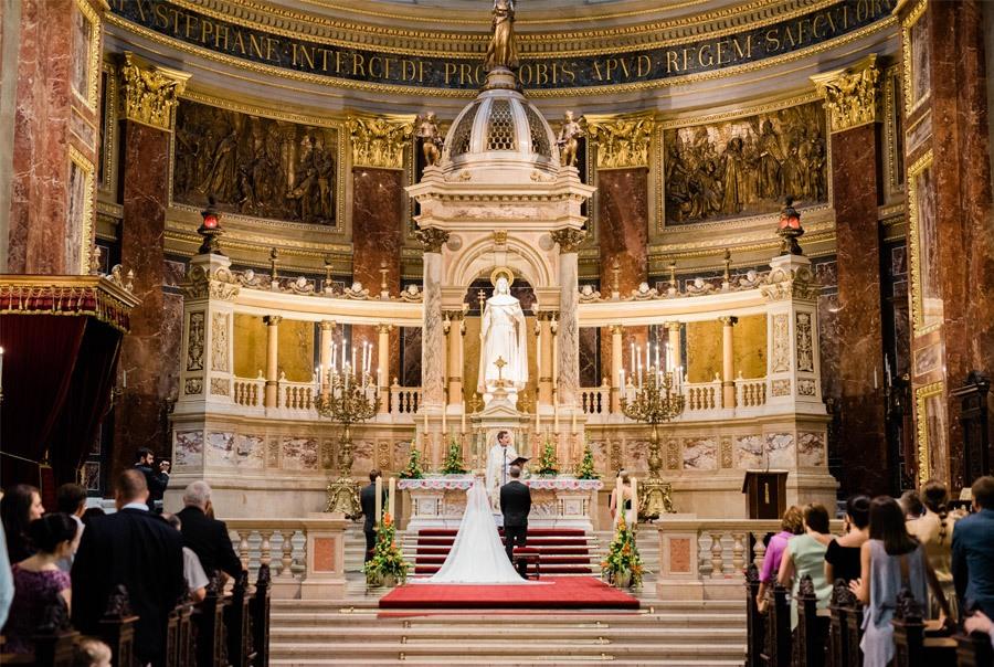JULIO & ANITA: ROMÁNTICA BODA EN BUDAPEST ceremonia-boda