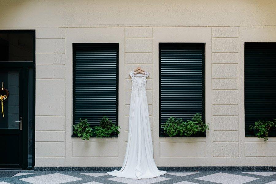 JULIO & ANITA: ROMÁNTICA BODA EN BUDAPEST vestido-novia