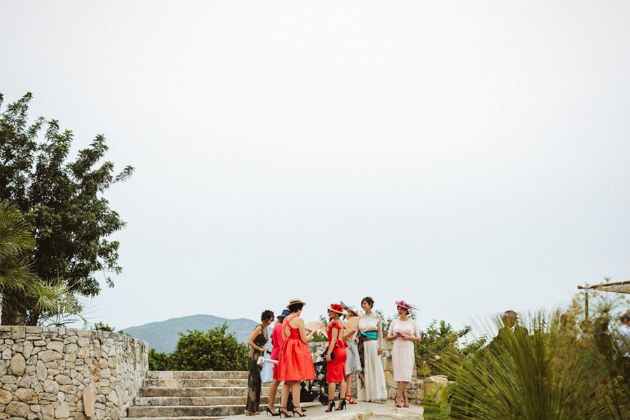 SARA & RAMÓN: UNA BODA LLENA DE SORPRESAS amigas-novia