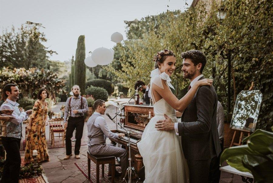 UNA FIESTA EN CAN RIBAS baile-boda