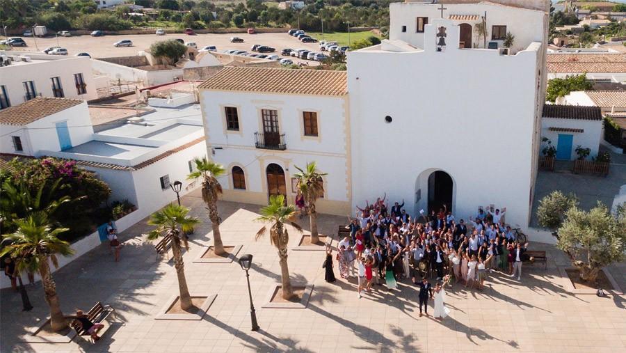 MARIE & JULES: DE NAMIBIA A FORMENTERA (Parte I) boda-ermita