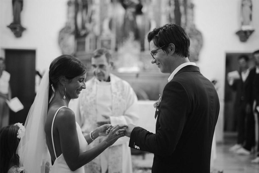MARIE & JULES: DE NAMIBIA A FORMENTERA (Parte I) boda-religiosa-1