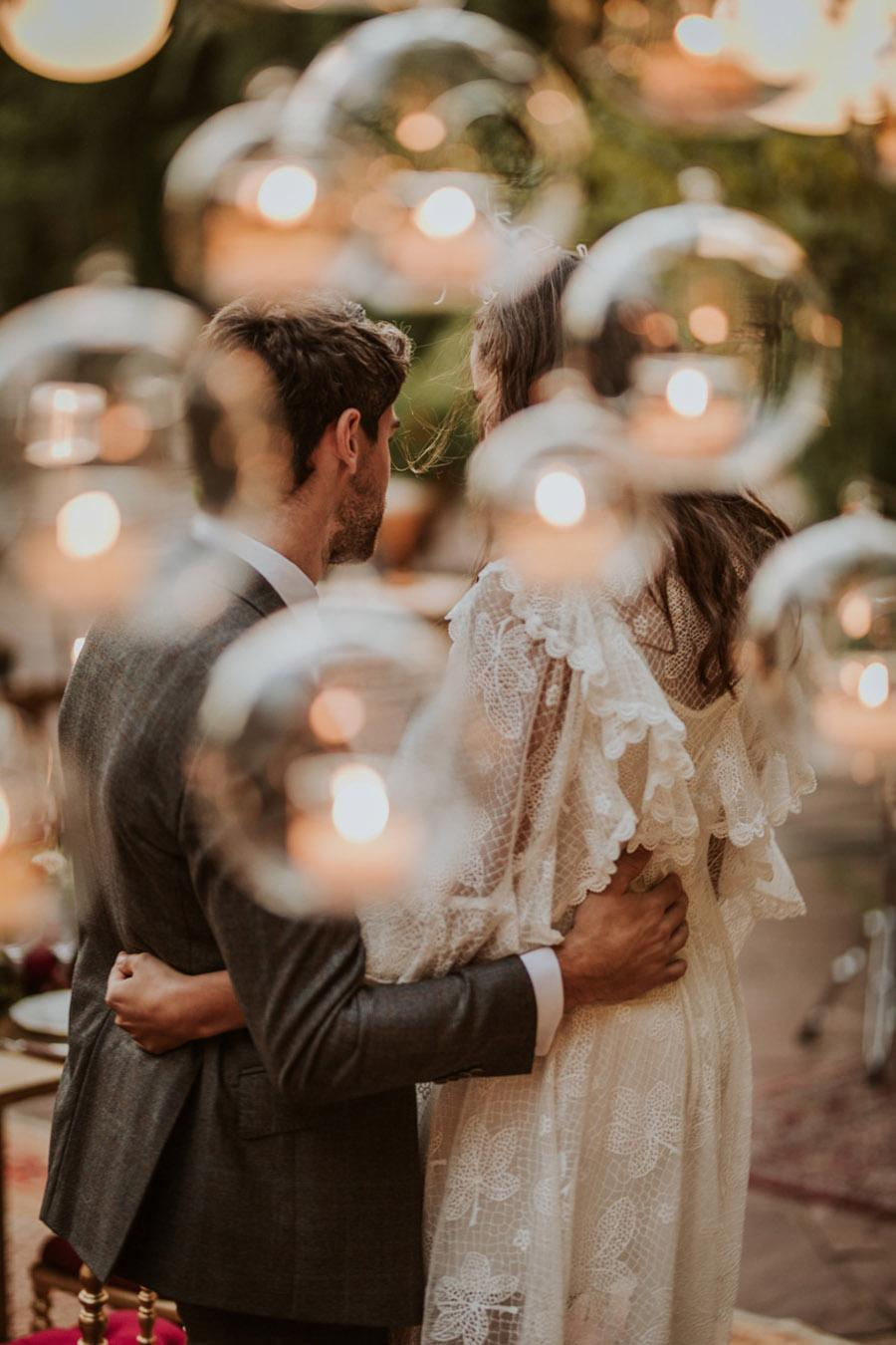 UNA FIESTA EN CAN RIBAS detalle-novios-boda