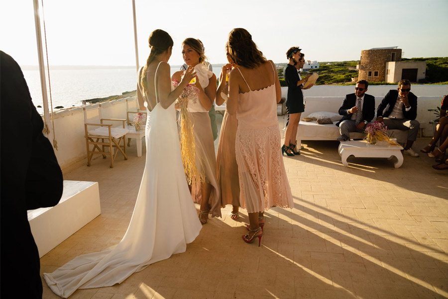 MARIE & JULES: DE NAMIBIA A FORMENTERA (PARTE II) invitadas-boda
