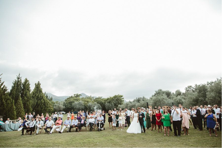 SARA & RAMÓN: UNA BODA LLENA DE SORPRESAS invitados-boda