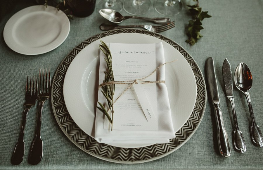 SARA & RAMÓN: UNA BODA LLENA DE SORPRESAS servilletas-boda