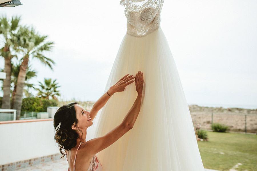 SARA & RAMÓN: UNA BODA LLENA DE SORPRESAS vestido-novia