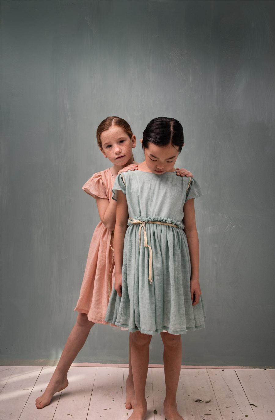 COSMOSOPHIE, NUEVA FIRMA INFANTIL DE CEREMONIA arras-niñas