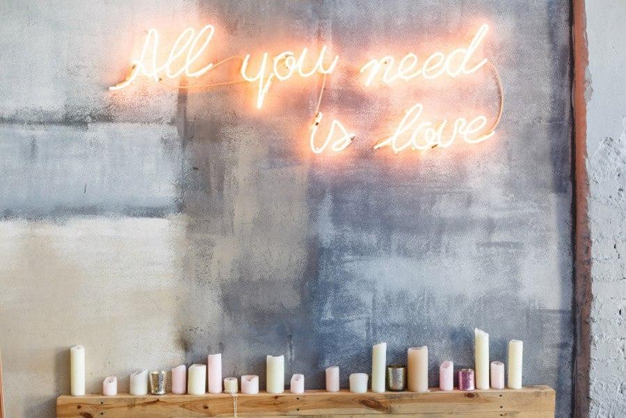 INSPIRACIÓN: FRASES DE NEÓN boda-signos-neon