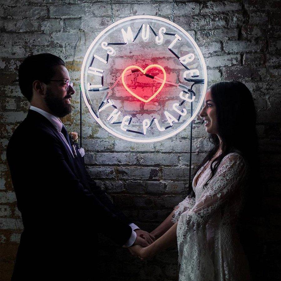 INSPIRACIÓN: FRASES DE NEÓN bodas-cartel-neon