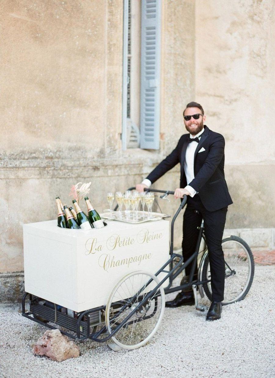 5 CÓRNERS DE BEBIDAS ORIGINALES PARA TU BODA carrito-champagne-boda