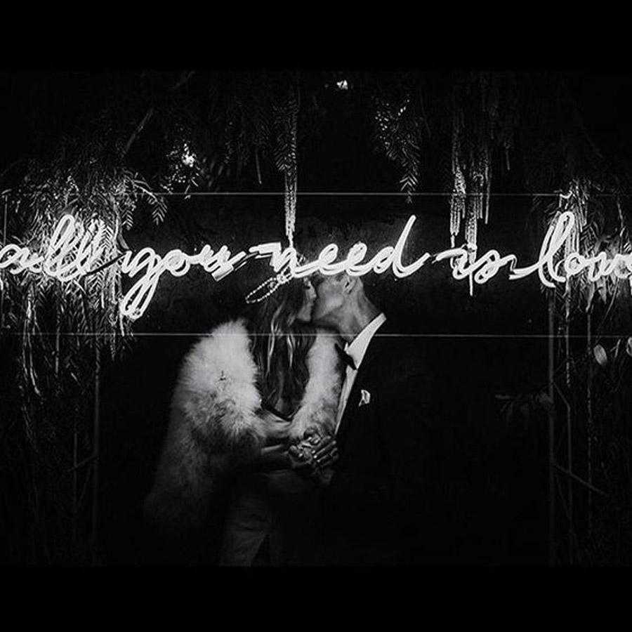 INSPIRACIÓN: FRASES DE NEÓN cartel-neon-boda