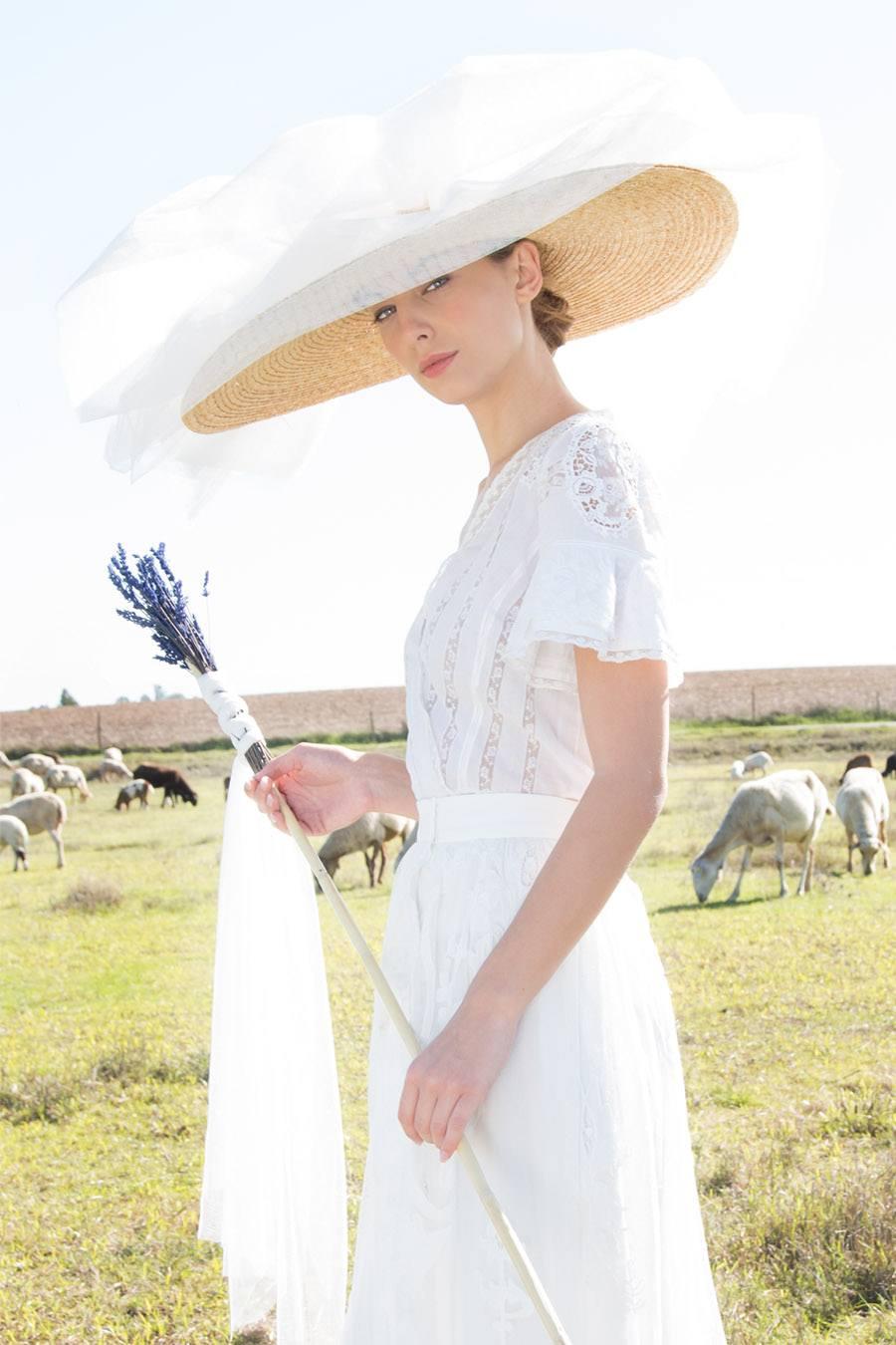 AIRES BUCÓLICOS EN LA NUEVA INSPIRACIÓN DE POL NÚÑEZ pol-nuñez-vestido-novia
