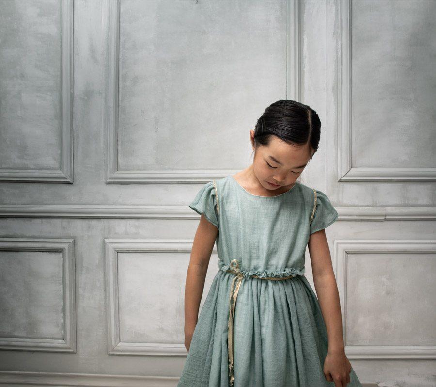 COSMOSOPHIE, NUEVA FIRMA INFANTIL DE CEREMONIA vestido-arras