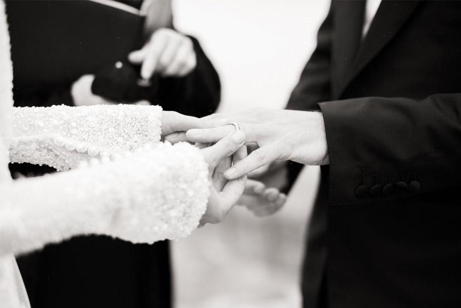 EMMA & CHRIS: ELEGANTE BODA EN MALIBÚ ceremonia-boda