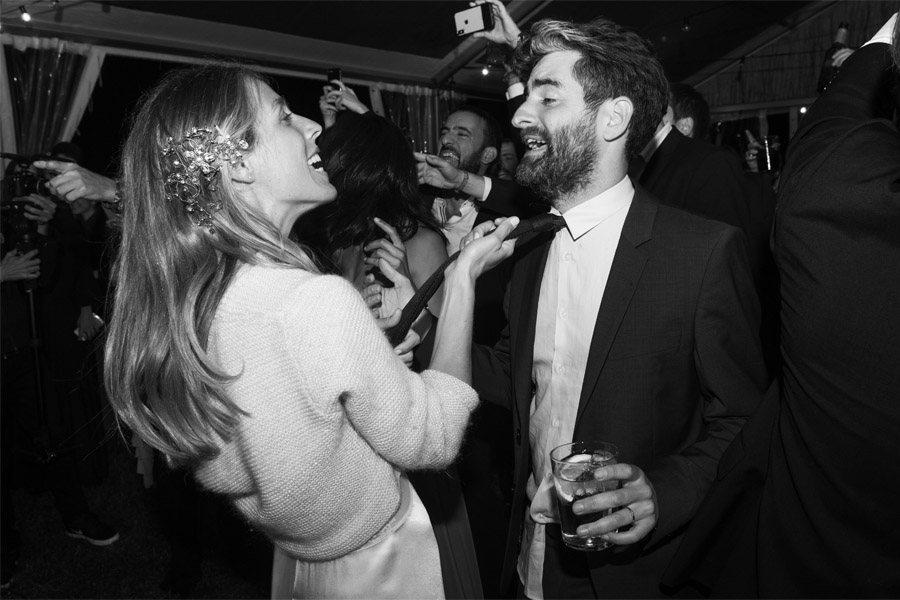 ELI & JOAN: UNA BODA DE FIESTA MAYOR baile-novios