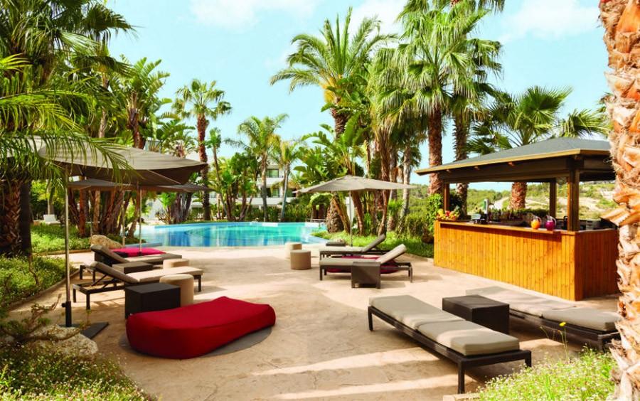 FIN DE SEMANA GASTRONÓMICO EN EL HOTEL DOLCE SITGES 5* bar-piscina-dolce-sitges-1