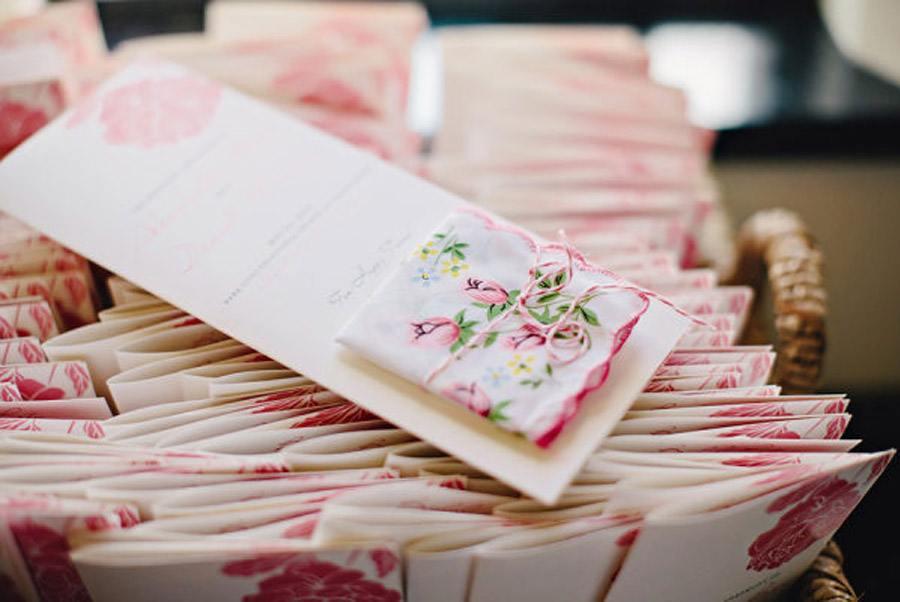LÁGRIMAS DE FELICIDAD boda-regalo-pañuelos