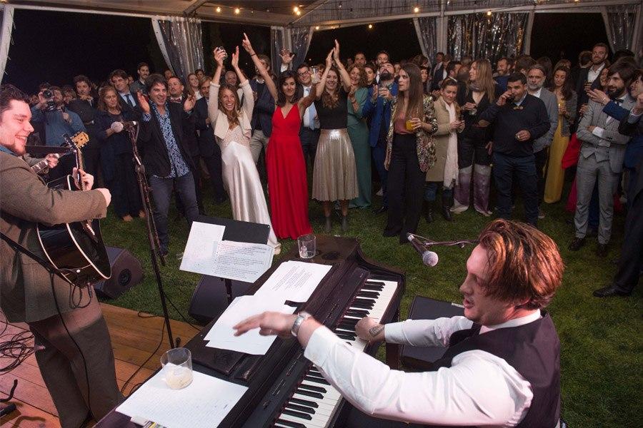 ELI & JOAN: UNA BODA DE FIESTA MAYOR fiesta-boda