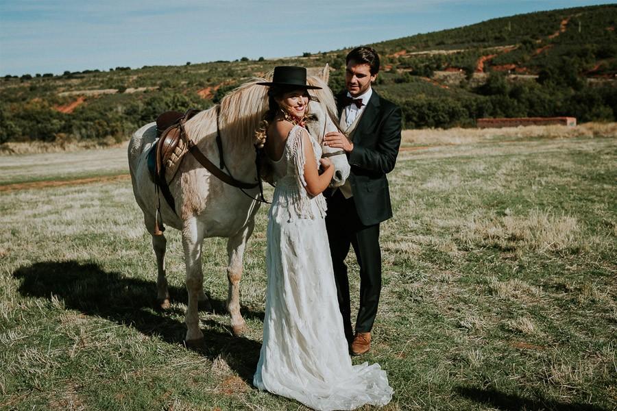 LAS COSAS DEL QUERER novios-caballo