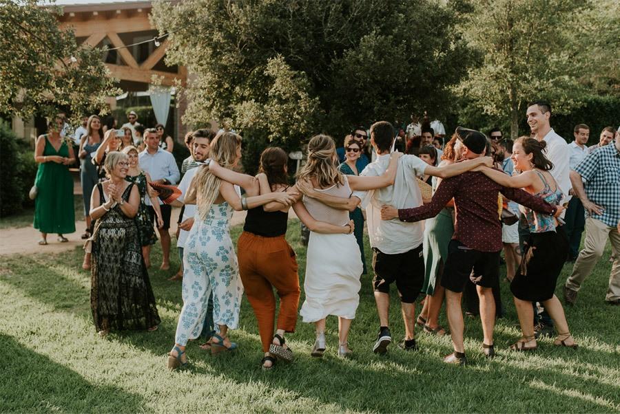 ELISABET, ALBERT Y SU DIVERTIDA BODA DE FIESTA MAYOR boda-de-fiesta-mayor