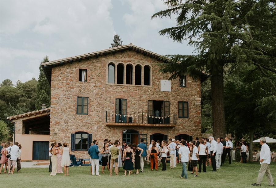 ELISABET, ALBERT Y SU DIVERTIDA BODA DE FIESTA MAYOR boda-invitados