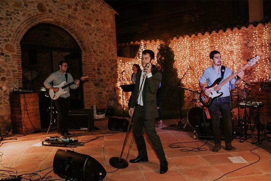 ELISABET, ALBERT Y SU DIVERTIDA BODA DE FIESTA MAYOR fiesta-boda