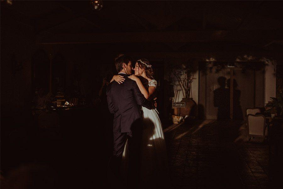 GERARD & YOLANDA: PENGUINS WEDDING baile-novios-1