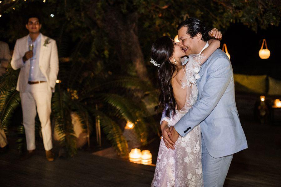 VALENTINA & OMAR: SAFARI WEDDING baile-novios-2