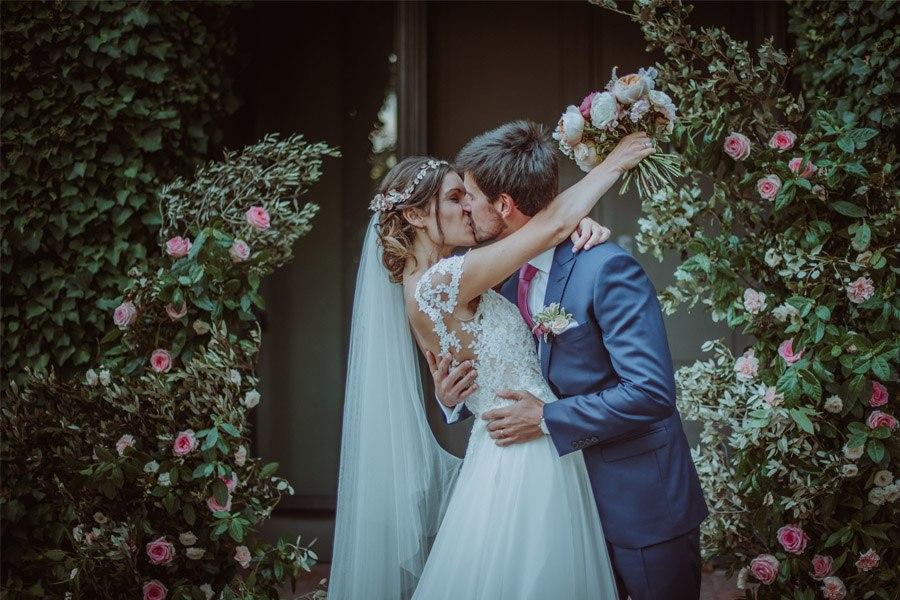 GERARD & YOLANDA: PENGUINS WEDDING beso-novios