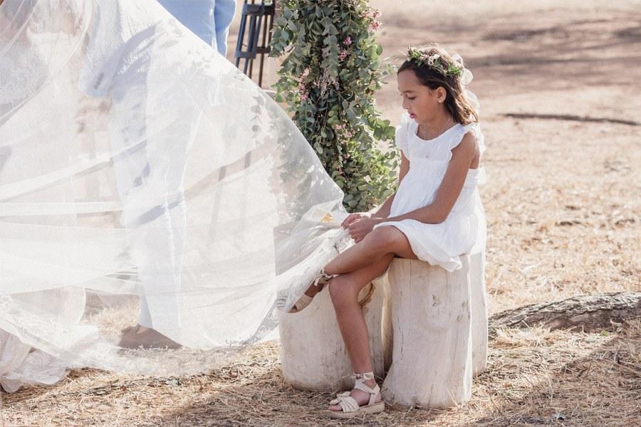 VALENTINA & OMAR: SAFARI WEDDING dama-boda