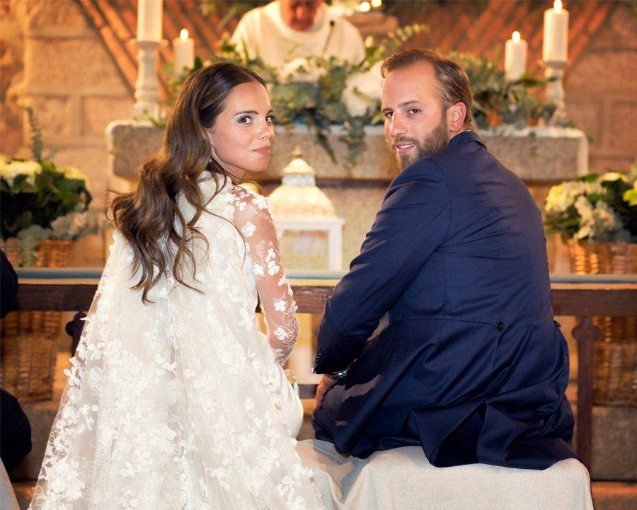 SARA Y JOSÉ CARLOS: #JUNTOSMOLAMAS novios-iglesia