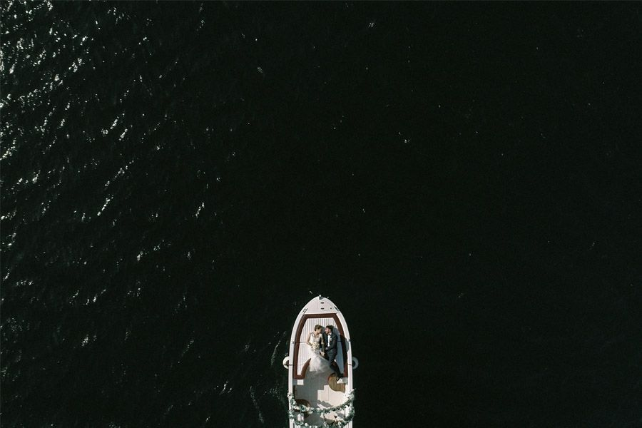 GEA & VALERIO: BODA EN NÁPOLES barca-novios-1